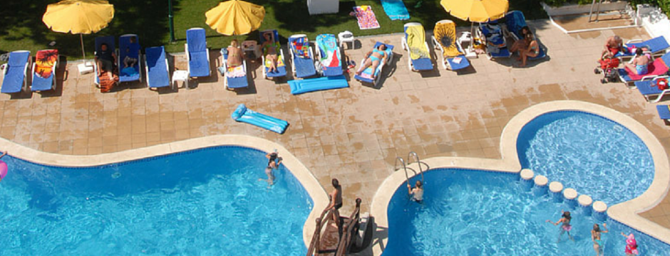 piscinahotelbeverly-940x360